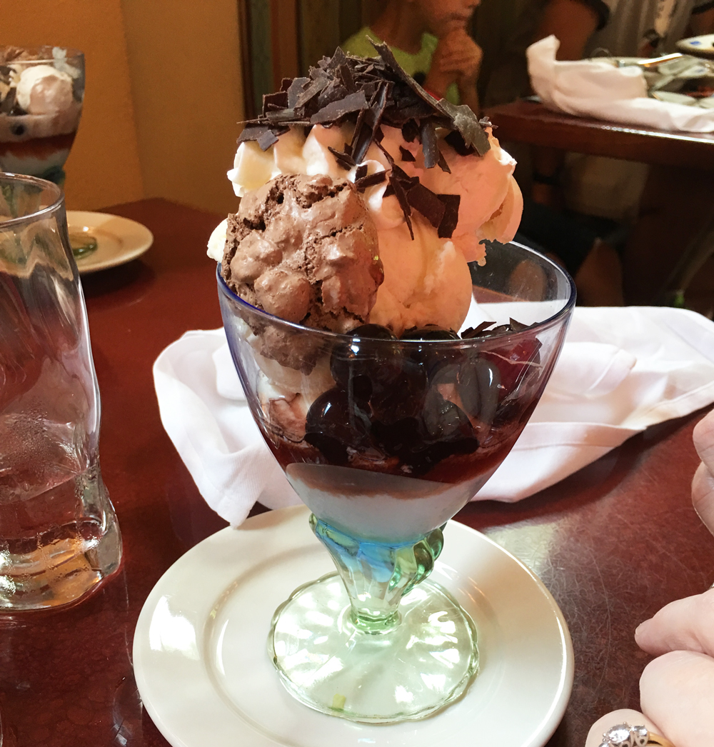 Free disney dining sundae the kingdom insider How to get free dining at disney
