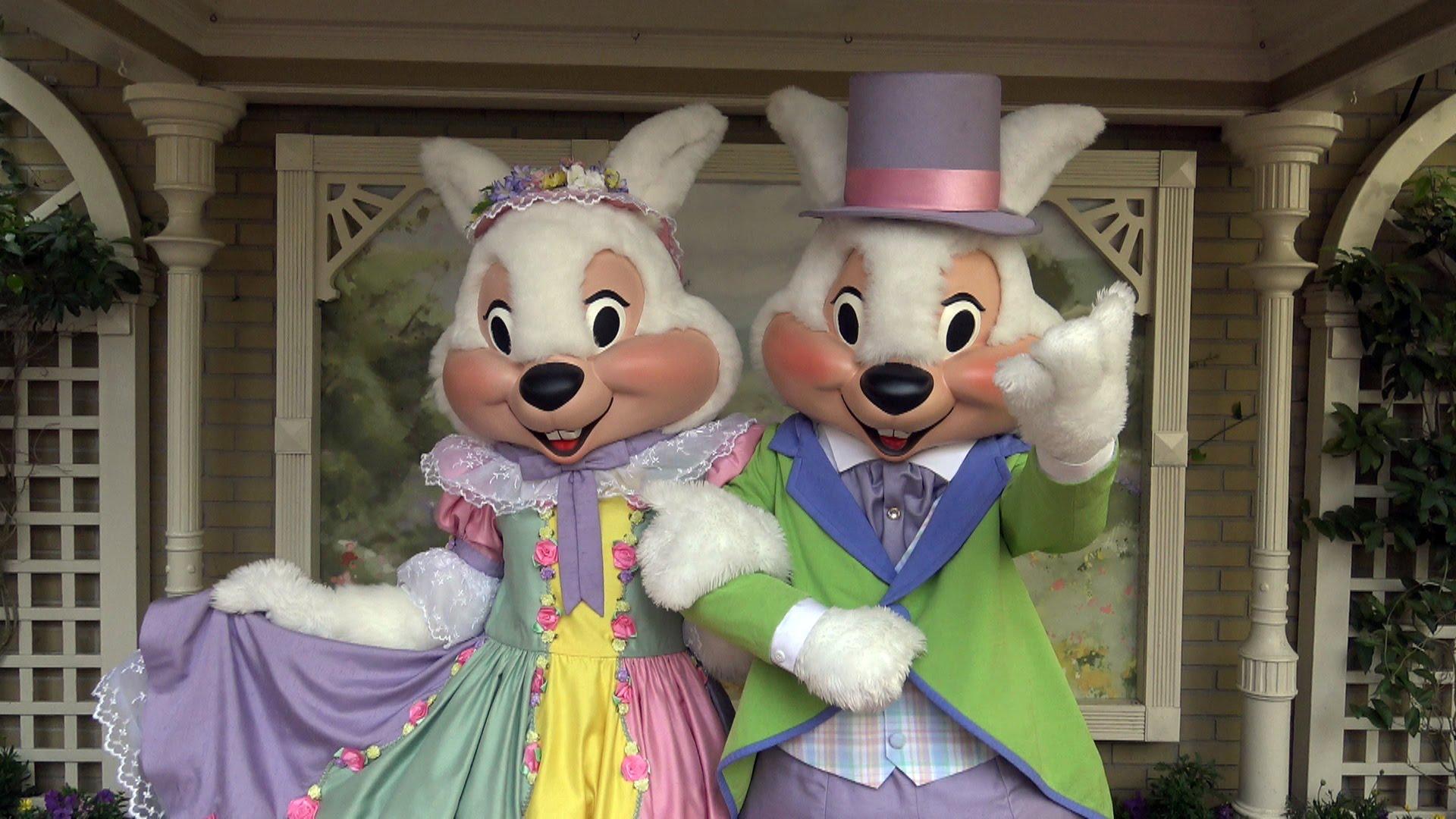 Mr. and Mrs. Easter Bunny in the Magic Kingdom | Walt Disney World