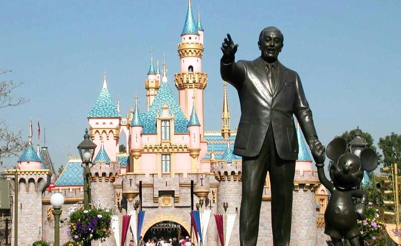 Partners | Disneyland Statur of WAlt Disney and Mickey mouse