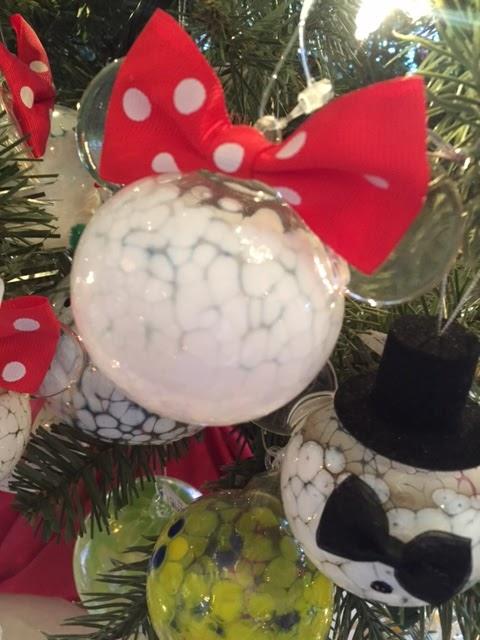 disney-christmas-decorations