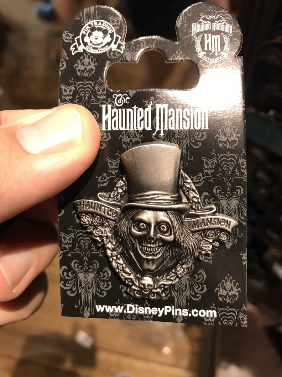 haunted-mansion-momento-mori-hatbox-ghost-pin