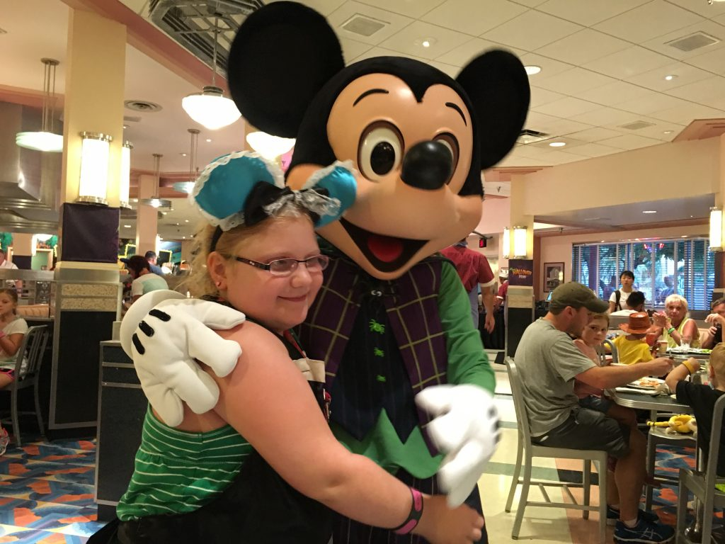 Mickey-Mouse-Minnie's-Halloween-Dine-Hollywood-Studios-Disney