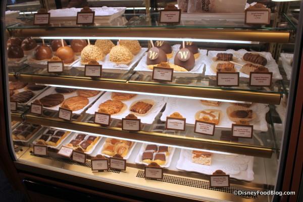 Karamell Kuche Bakery Case Germany Epcot The Kingdom Insider