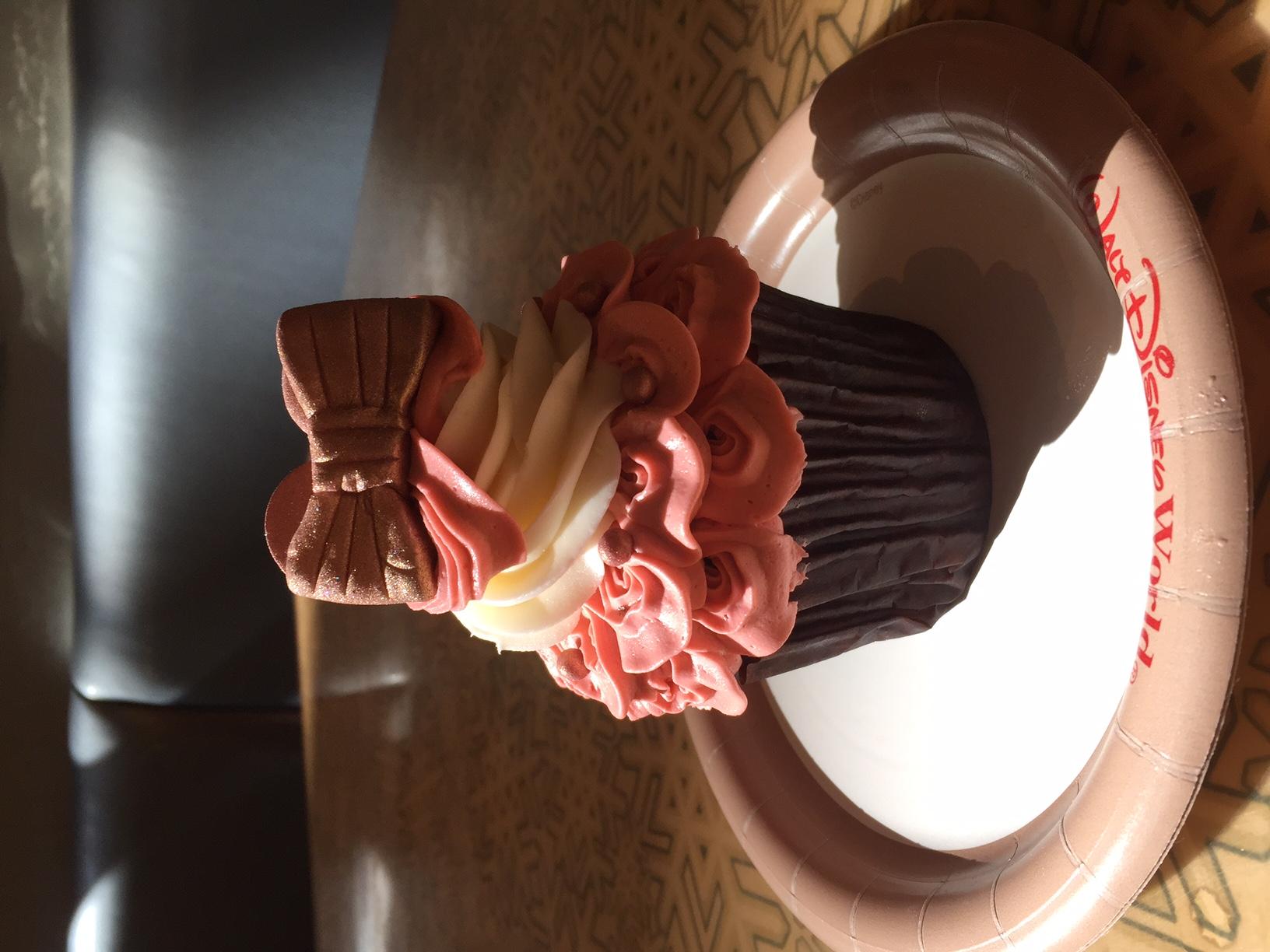 Rose-Gold-Cupcake-Disney-1