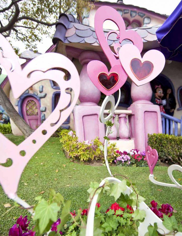 Valentines Month Coming To Disneyland The Kingdom Insider