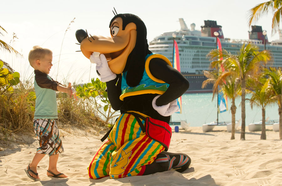 Young guest meets Goofy at Castaway Cay