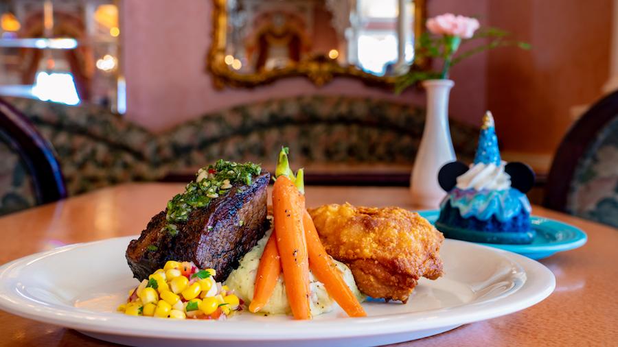 'Magic Happens' Parade Dining Package at Plaza Inn at Disneyland Park